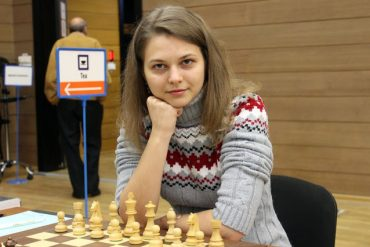 """Refusant d'être traitée en """"créature inférieure"""", la championne d'échecs Anna Muzychuk boycotte les championnats du monde en Arabie Saoudite"""
