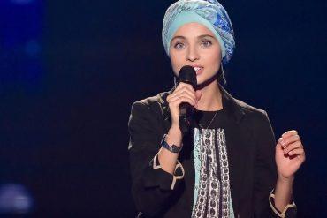 Mennel de The Voice est une militante assumée de l'islam politique. Qu'elle assume jusqu'au bout.