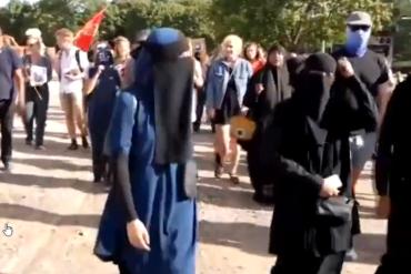 Danemark : Amnesty International manifeste en faveur de la burqa (ce n'est pas une blague)