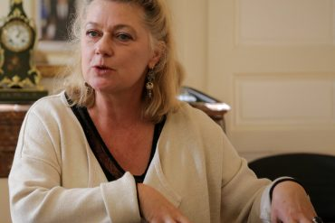La préfète d'Indre-et-Loire exprime sa fierté d'avoir expulsé un migrant agresseur de femmes défendu par les chrétiens de la Cimade