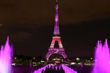Chaque année, à l'occasion d'Octobre Rose, la tour Eiffel s'illumine de rose. Si l'intention de sensibiliser autour du cancer du sein est louable, qu'en est-il de l'impact réel d'Octobre Rose sur la santé des femmes ?